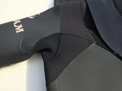 wetsuits repair 脇の下修理 5